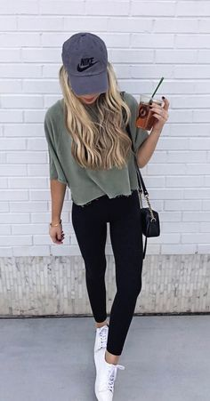 cute outfits with leggings \ cute outfits ; cute outfits for school ; cute outfits for winter ; cute outfits with leggings ; cute outfits for school for highschool ; cute outfits for women ; cute outfits for school winter Athleisure Fashion, Athleisure Outfits, Athleisure Trend, Mode Outfits, Fashion Outfits, Fashion Ideas, Gym Outfits, College Girl Outfits, Dinner Outfits