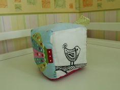 RE-couture ! (DIY Couture : Réalisez un cube d'éveil http://blog.levideatelierdescreatives.com/lequipe/diy-couture-realisez-un-cube-deveil/#comment-143)