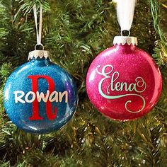 DIY Personalized Glitter Ornaments, DIY and Crafts, These are so easy to make, and they& great inexpensive gift ideas! Glitter Ornaments, Christmas Ornaments To Make, Homemade Christmas, Diy Christmas Gifts, Christmas Projects, Christmas Crafts, Christmas Bulbs, Christmas Glitter, Christmas Sayings
