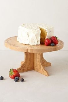Romanesque Cake Stand