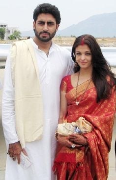 """Aishwarya and Abhishek Bachchan on their honeymoon"" My favorite couple IN THE WHOLE WORLD alongside Will and Jada Pinkett Smith :) ❤️❤️"