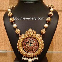 Nakshi Mala with Peacock Pendant - Indian Jewellery Designs Indian Wedding Jewelry, Indian Jewelry, Bridal Jewelry, Indian Bridal, Mom Jewelry, Pendant Jewelry, Beaded Jewelry, Jewelry Making, Gold Earrings Designs