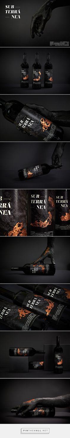 Hand-applied bronze foil makes every bottle unique - Subterránea wine label design by Christian Pannicke - http://www.packagingoftheworld.com/2017/04/subterranea-concept.html