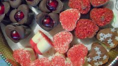 Homemade winter chocolates (includes recipe for coconut, glazed almond, cherry, cinnamon, glazed orange zest, walnut, chili and Christmas chocolates )