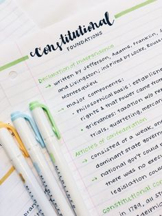 Image about school in study note taking? Shared by ? Find images and videos about school, study and college on We Heart It - the app to get lost in what you love. Cute Notes, Pretty Notes, Good Notes, Motivation Letter, Study Motivation, School Organization Notes, Study Organization, Schul Survival Kits, Pretty Handwriting