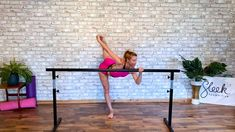 A short super effective barre workout focusing on great lower body and ab tone. Easy to fit in daily and enjoy the results! Ballet Workouts, Barre Workout, Dance Stuff, Ballet Beautiful, I Work Out, Physique, Dancer, Abs, Yoga