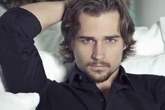 Jon-Michael Ecker....one of my favorite actors!!