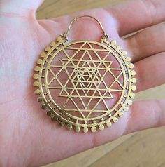 The Sri Yantra is a geometric representation of the microcosmic level of the Universe. New blog post all about the Sri Yantra and it's meaning up on gardenofstella.com Sri Yantra Meaning, Anklets, Bling Bling, Boho Chic, Jewlery, Meant To Be, Universe, Symbols, Costumes
