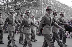 https://flic.kr/p/uwHgZE | Gurkhas - Company B (Sari Bari) 1 Royal Gurkha Rifles  at ANZAC Eve Street Parade |