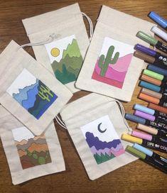 Fabric Painting, Diy Painting, Painted Canvas Bags, Diy Tote Bag, Tote Bags, Posca Art, Mini Canvas, Fabric Bags, Handmade Bags