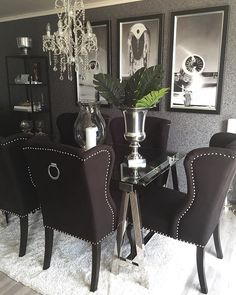 WEBSTA @ monicas_home - ✨✨➖➖➖➖➖➖➖➖➖➖➖➖➖➖#diningroom #diningtable #classy #elegance #glam #glamorous #black #silver #homeinspo #homestyling #styling #styleinspiration #inspiration #inspire #inspiring #decor #decoração #decorations #interiør #interiordesigner #designinterior #interiorstyling #stylish #interior123 #inspire_me_home_decor #interior4all #interiorforyou #interior4all #interior4you #interiordecorating ➖➖➖➖➖➖➖➖➖➖➖➖➖➖