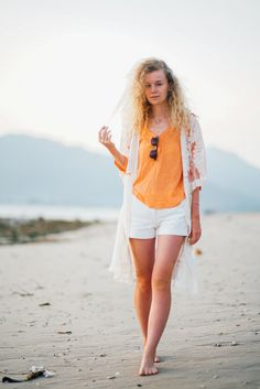 Красивая девушка на пляже острова Gili Air. Follow me on Instagram @chebesovfilms Gili Air, White Shorts, Beach, Beautiful, Instagram, Fashion, Moda, La Mode, Seaside