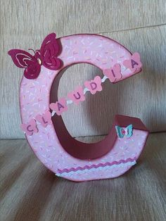 Letras decoradas on pinterest letters letter n and for Letras de corcho decoradas