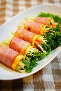 ✿Raw Vegetables Wrapped with Bacon and Eggs✿