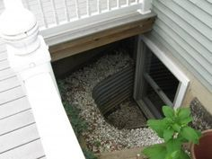 A good airflow is important for a place to live. Though, not many people realize that when they design a basement. You will make a huge difference in the quality of your air by simply installing basement windows. Basement Window Well, Basement Guest Rooms, Basement Windows, Modern Basement, Basement Apartment, Basement Stairs, Basement Bathroom, Basement Remodel Diy, Basement Remodeling