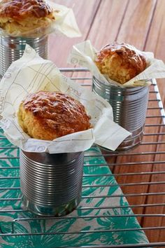 Braai-side Cream Style Sweetcorn Bread Corn bread made with a can of creamed sweetcorn and baked in an upcycled can. Great for the outdoors or for home entertainment. Braai Recipes, Easy Bread Recipes, Cooking Recipes, Cafe Food, Food Menu, Kos, South African Recipes, Brunch, Packaging