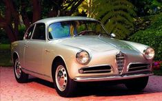 Alfa Romeo formally introduced their new Giulietta series in 1954 at the Turin Motor Show. The two-door coupe was called the Giulietta Sprint by Ferrari, Maserati, Classic Motors, Classic Cars, Alfa Romeo Cars, Alfa Romeo Giulia, Sports Sedan, Amazing Cars, Fiat