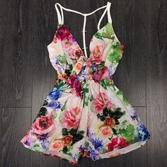 Summer Outfit - Cute ass floral romper