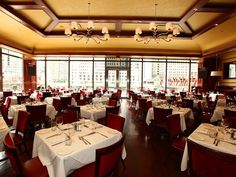 15 Chicago Restaurants With Top Views of the Windy City: Chicago Cut Steakhouse  When you're at Chicago Cut, you're not only paying top price for one of Chicago's best steakhouses and a possibly celebrity spotting, you're also paying for sterling skyline views from the River North side of the Chicago River. Bonus points in the summertime for its elevated riverside patio. [Photo: Barry Brecheisen]