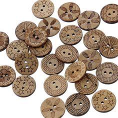 100 boutons en bois motifs mixtes 2,76€