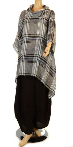 Lagenlook: a fashion from Europe known for A-line dresses, layers, asymmetrical hems, ruffles, in linen, cotton, and light wool. You can easily find some items at ECTS and make your own lagenlook outfit!