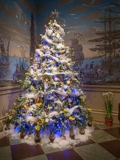 March Bank tree, celebrating the March Bank at Winterthur Family Christmas, Merry Christmas, Xmas, Winterthur, Beautiful Christmas Trees, Victorian Christmas, Christmas Decorations, Holiday Decor, Christmas Inspiration