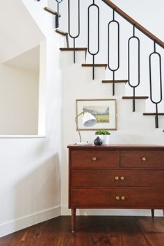 Jaclyn Peters Design Metal and walnut staircase railing Staircase Interior Design, Interior Stair Railing, Modern Stair Railing, Home Interior Design, Modern Stairs, Railing Design, Door Design, Foyer Decorating, Decorating Ideas