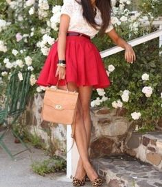 Love the pin up girl style Red Skirts, Cute Skirts, Skater Skirts, Henri Bendel, Pretty Outfits, Cute Outfits, Looks Style, My Style, Fashion Designer