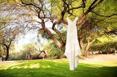 Danielle & Ryan's Hilton El Conquistador Wedding / Wedding Planning: Lindsay Bishop Events / Photography: Sunstreet Photo #tucsonwedding #hiltonelconquistadorwedding #weddingphotography #laceweddingdress