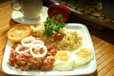 It's Silog time! This time it's Corned beefsilog