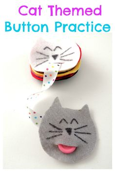 DIY Cat themed button snakes. Perfect for toddlers and preschoolers to practice their buttoning skills. Includes cat face pattern.