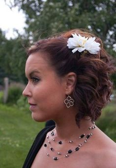 Bridesmaid short half updo hairstyles! I wonder if my hair will hold a curl like that for most of the day?