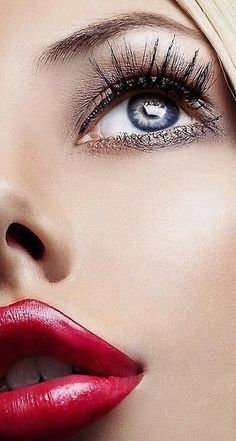 And as i go further another red lip and blue eye. Never mind the rest of her body, i look at the face first