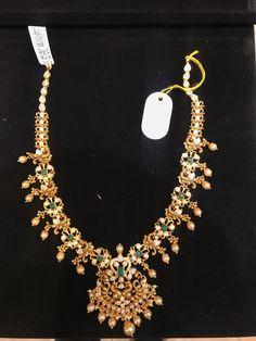 Gold Wedding Jewelry, Bridal Jewelry, Gold Jewelry, Jewelery, Gold Earrings Designs, Gold Jewellery Design, American Diamond Jewellery, Gold Necklace Simple, Schmuck Design