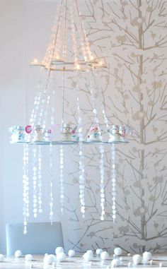 Un precioso candelabro para una fiesta de nieve / A lovely chandelier for a snow party