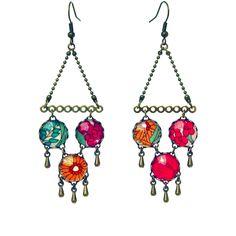 Boucles d'oreilles de la parure Romantique, en cabochons de verre et tissu liberty aux couleurs pastel.