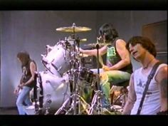 Ramones - last concert EVER (part 3/3) Then they just walked off- Like the bosses they were