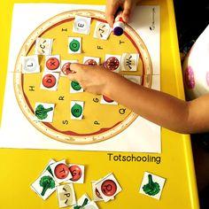 a Pizza: Letter Matching Activity Cute Make a Pizza Letter Matching Activity. What a fun ABC game for kids!Cute Make a Pizza Letter Matching Activity. What a fun ABC game for kids! Preschool Food, Preschool Literacy, Literacy Activities, Activities For Kids, Literacy Centers, Kindergarten, Fractions, Abc Games For Kids, Kids Fun