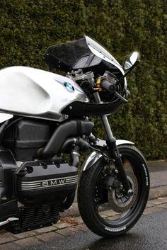 Cuando piensas en preparar una moto, siempre es con una idea: hacer una Raid con una Enduro, una Scrambler con una Naked, una Streetfighte...