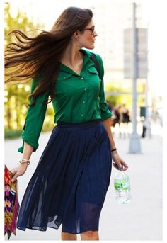 Blue Skirt Outfits, Casual Outfits, Emerald Green Outfit, Booties Outfit, Street Style 2017, Virtual Fashion, How To Wear, Beauty Secrets, Beauty Tips