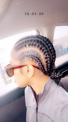 𝐏𝐈𝐍𝐓𝐄𝐑𝐄𝐒𝐓: 𝐓𝐫𝐨𝐩𝐢𝐜_𝐌 🌺 – hair bangs long Feed In Braids Hairstyles, Braids Hairstyles Pictures, Baddie Hairstyles, Hair Pictures, Weave Hairstyles, Protective Style Braids, Protective Hairstyles For Natural Hair, Protective Styles, Curly Hair Styles