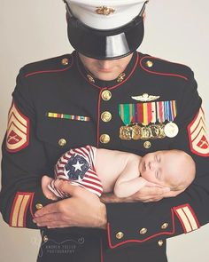 Forever my favorite picture I hope every little boy gets to grow up with a daddy like you! Even though youre gone [a LOT ] Beckam & I LOVE our time with you! Miscarriage Awareness, Healthy Pregnancy Tips, Pregnancy Period, Military Homecoming, Delivering A Baby, Army Girlfriend, Miracle Baby, Infertility Treatment, Military Love