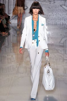 Gucci Resort 2009 Collection Photos - Vogue