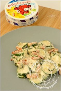 Lose Weight - Courgettes façon carbonara : de courgettes, 6 vaches qui rit, 25 cl de crême et 200 g de lardons - In Just One Day This Simple Strategy Frees You From Complicated Diet Rules - And Eliminates Rebound Weight Gain No Cook Meals, Kids Meals, Easy Meals, Zucchini Carbonara, Food Porn, Salty Foods, Cooking Recipes, Healthy Recipes, Food Inspiration