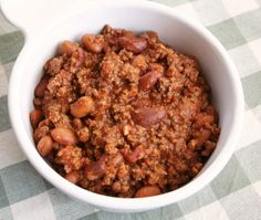 Pioneer Woman Chili - easy and very good. She uses the base (minus chili beans) as a start for all kinds of things. sloppy joes, pasta sauce, taco soup, etc. The Pioneer Woman, Pioneer Women, Pioneer Woman Soups, Pioneer Woman Freezer Meals, Pioneer Woman Recipes, Chilli Recipes, Crockpot Recipes, Soup Recipes, Cooking Recipes