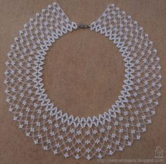 Az Idei Szálkai Táborban Egyik Társunk M - Diy Crafts Seed Bead Necklace, Seed Bead Jewelry, Bead Jewellery, Beading Tutorials, Beading Patterns, Beaded Necklace Patterns, Handmade Beaded Jewelry, Bijoux Diy, Loom Beading