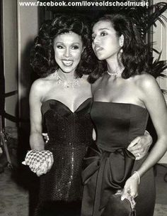 Black Hollywood-Diahann Carroll with her daughter, Suzanne Kay, at the 1987 Golden Globe Awards in Beverly Hills. Vintage Glamour, Vintage Beauty, Vintage Style, Diahann Carroll, Hollywood Photo, Hollywood Glamour, Hollywood Stars, Vintage Hollywood, Black Actresses