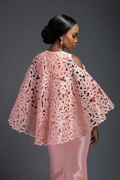 afrikanischer stil 2016 marks a new era for House of Deola (the brand was formerly known as 'Deola Sagoe') with the launch of its wedding collection Komole Kandids Series At its African Lace Styles, African Lace Dresses, Latest African Fashion Dresses, African Wear, African Attire, African Women, African Inspired Fashion, African Print Fashion, Moda Vintage