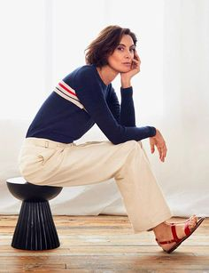 Great classic look will take you anywhere. Casual Wear, Casual Outfits, Skirt Fashion, Fashion Outfits, Parisienne Style, Relaxed Outfit, Smart Outfit, Sartorialist, Classy Women