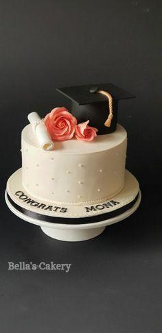 Graduation Cake Designs, College Graduation Cakes, Graduation Party Desserts, Grad Party Decorations, Graduation Party Planning, Graduation Celebration, Graduation Ideas, Pretty Birthday Cakes, Un Cake
